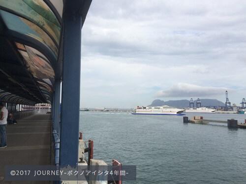港(スペイン側)