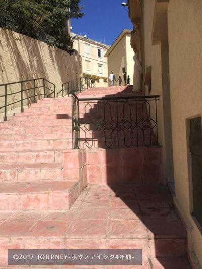 タンジェとある道の階段