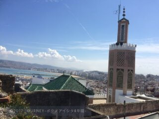 タンジェの街を高台から望む